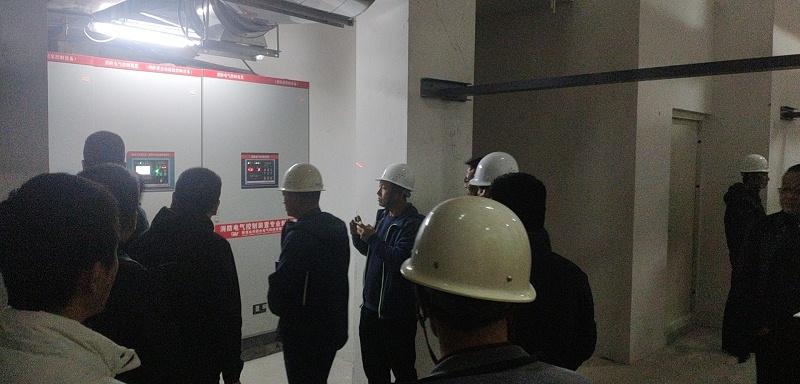 众利联合消防控制柜验收现场照片1