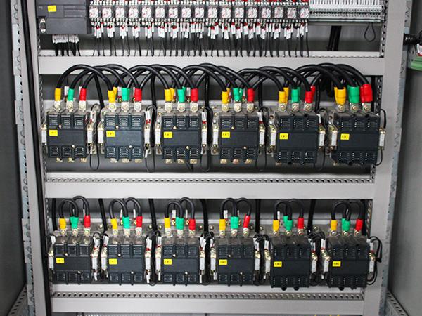 控制柜细节图
